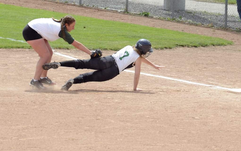 EDSS girls end slo-pitch season in victory